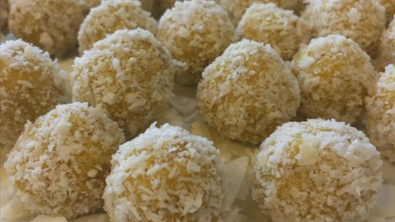 Photo of Raw-Vegan Mango Coconut Truffles by Rita