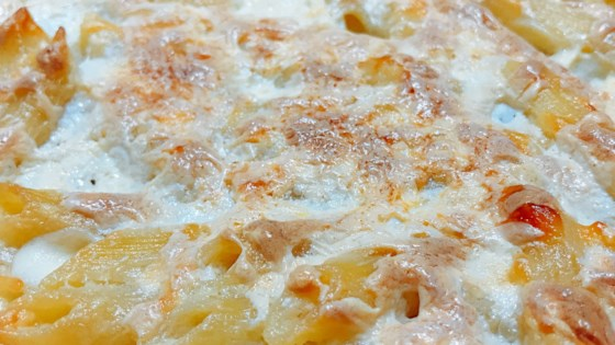 Photo of Decadent Baked Mac and Cheese by thedailygourmet