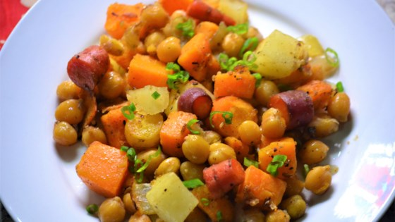 Photo of Vegetarian Sheet Pan Dinner with Chickpeas and Veggies by Kim