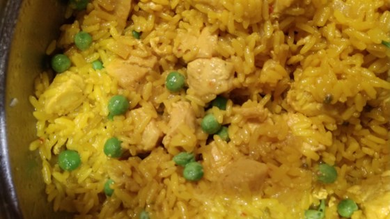 Photo of One-Pot Spanish Chicken and Yellow Rice by Kel Kel