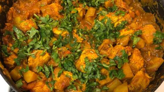 Photo of Bengali Chicken Curry with Potatoes by tanj