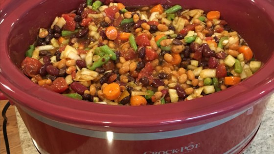 Photo of Slow Cooker Vegetarian Chili by limeshmd