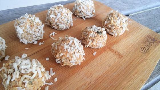 Photo of Healthy Sweet Peanut Butter Balls by Jeseta