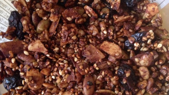 Photo of Quinoa and Steel-Cut Oats Crunchy Granola by NeNe