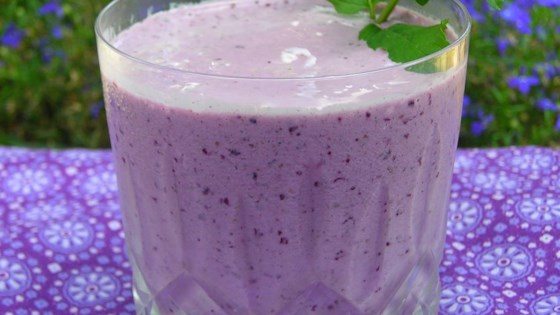 Photo of Very Berry Blueberry Smoothie by Michaela