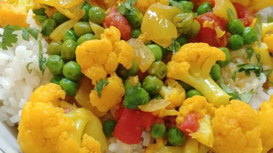 Photo of Vegetarian Indian Cauliflower and Pea Curry  by Ali