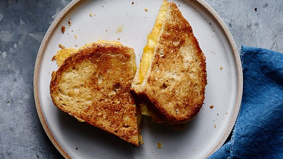 Photo of Perfectly Crispy Grilled Cheese  by Hellmann's