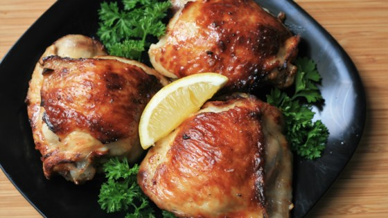 Keto Lemon-Garlic Chicken Thighs in the Air Fryer Recipe