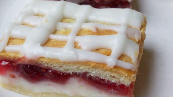 Photo of Easy Cream Cheese Danish by Natalie