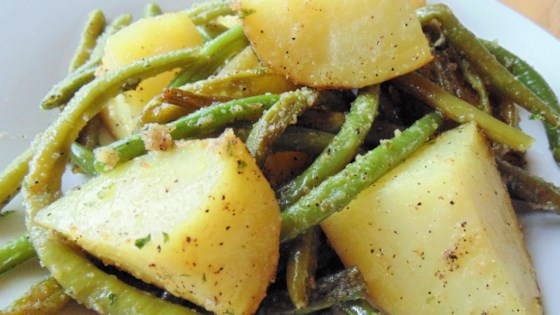 Photo of Roasted Green Beans and Baby Red Potatoes by photog_grrl