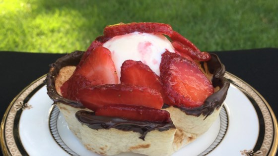 Photo of Strawberries and Cream Taco Cup by Paula