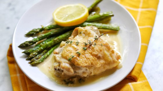 Instant Pot® Keto Chicken Thighs in Lemon-Garlic Cream Sauce Recipe