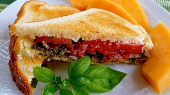 Photo of Bacon, Basil Pesto, and Tomato Sandwich by lutzflcat