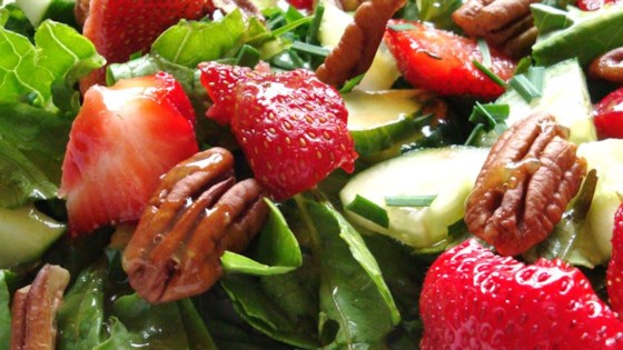 Photo of Strawberry Romaine Salad II by Dort