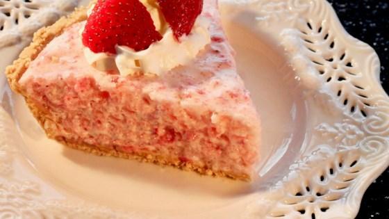Photo of Strawberry Chiffon Pie  by lutzflcat