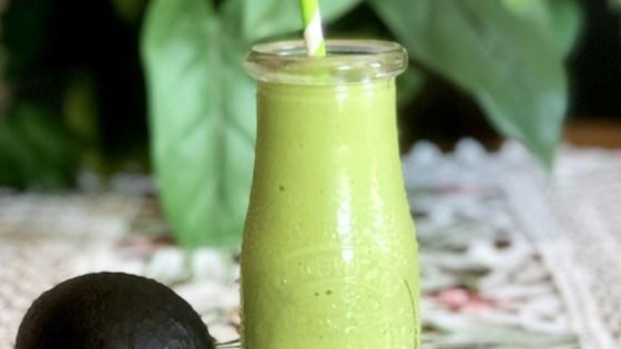 Photo of Keto Avocado-Spinach Smoothie by mybwriter