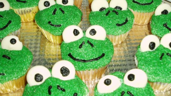 Photo of Frog Cupcakes by kymama