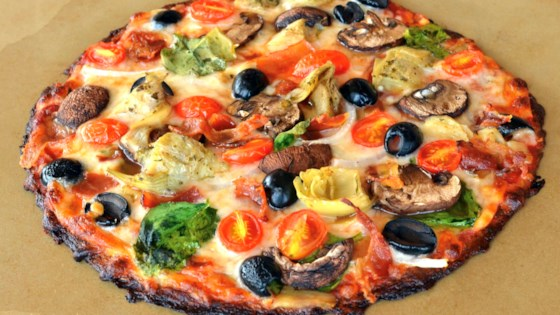 Photo of Bacon-Artichoke Cauliflower Pizza by Lela