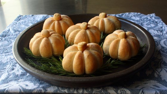 Photo of Pumpkin-Shaped Dinner Rolls by Chef John