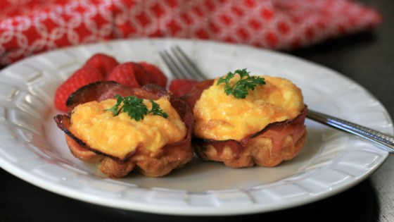 Photo of Keto Cheesy Bacon and Egg Cups by France C