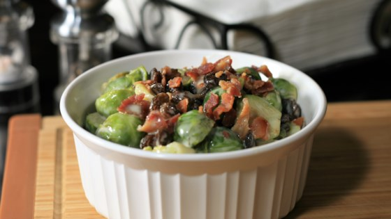 Photo of Easy Brussels Sprouts Salad by posisme