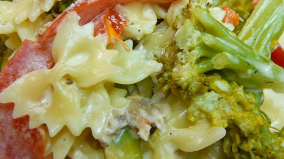 Photo of Chicken and Bow Tie Pasta by Cooking Mama
