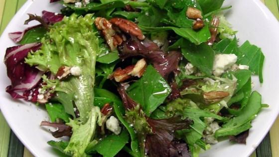 Photo of Balsamic Bleu Cheese Salad by NANMURAT