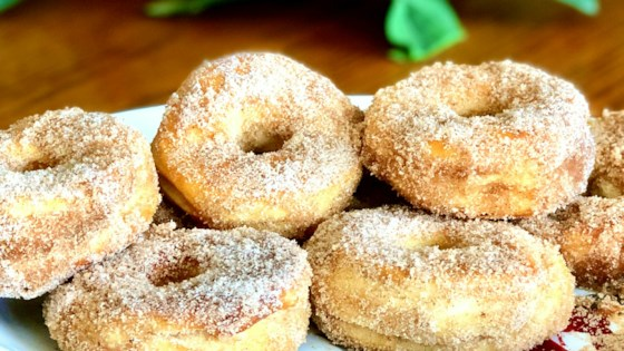 Photo of Air Fryer Cinnamon-Sugar Doughnuts by Yoly