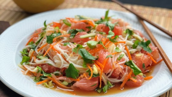 Photo of Pomelo Salad with Rice Vermicelli by Kim's Cooking Now