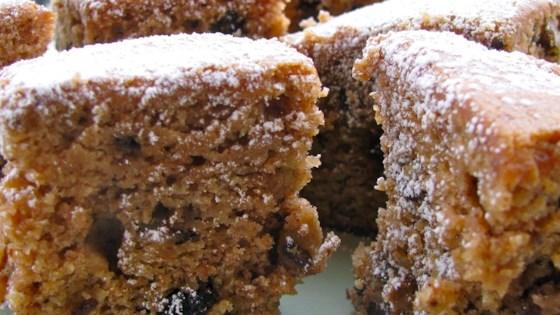 Applesauce Raisin Cake