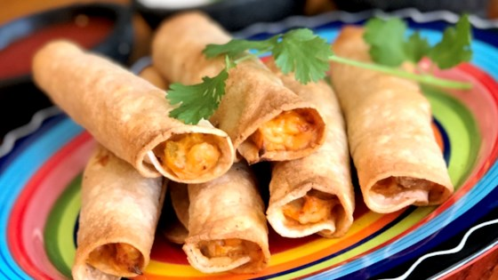 Photo of Air Fryer Chicken Taquitos by Yoly