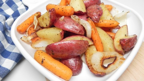 Photo of Roasted Potatoes and Carrots with Ranch Seasoning by Betka