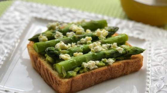 Photo of Asparagus and Blue Cheese Avocado Toast by Kim's Cooking Now