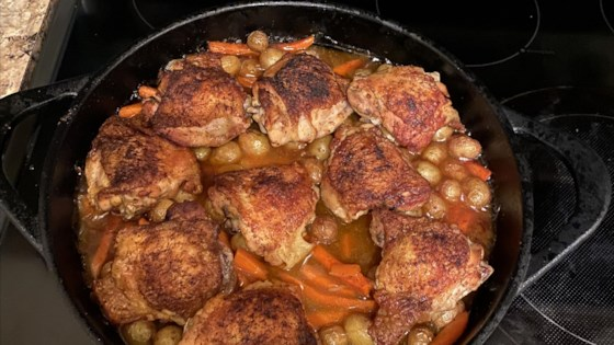 Photo of Skillet Chicken Thighs with Carrots and Potatoes by Yoly