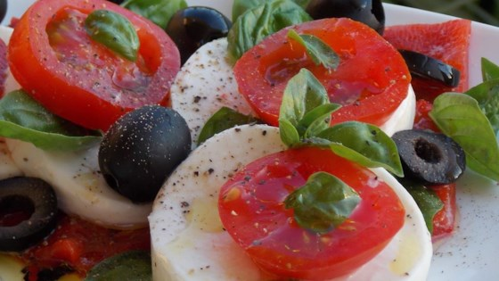 Photo of Simple Caprese Salad by stronglive1