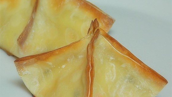 Photo of Creamy Cheese Wontons by Jessica