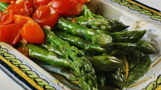 Photo of Asparagus with Tomatoes by KEANSOR