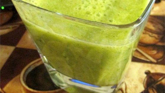 Photo of Orange-Pear Green Smoothie with Bok Choy by Olivia Kunst