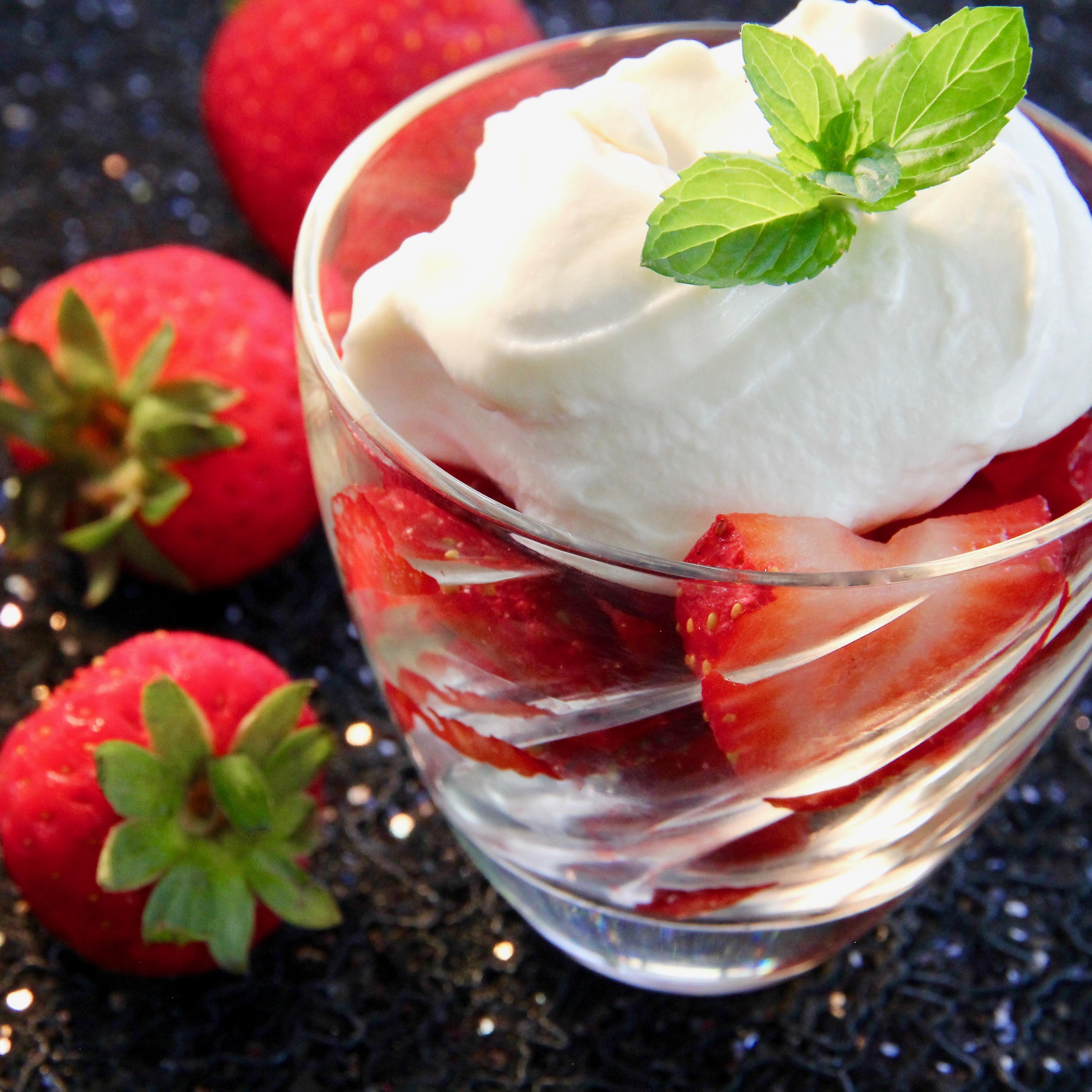 Strawberries Romanoff_image