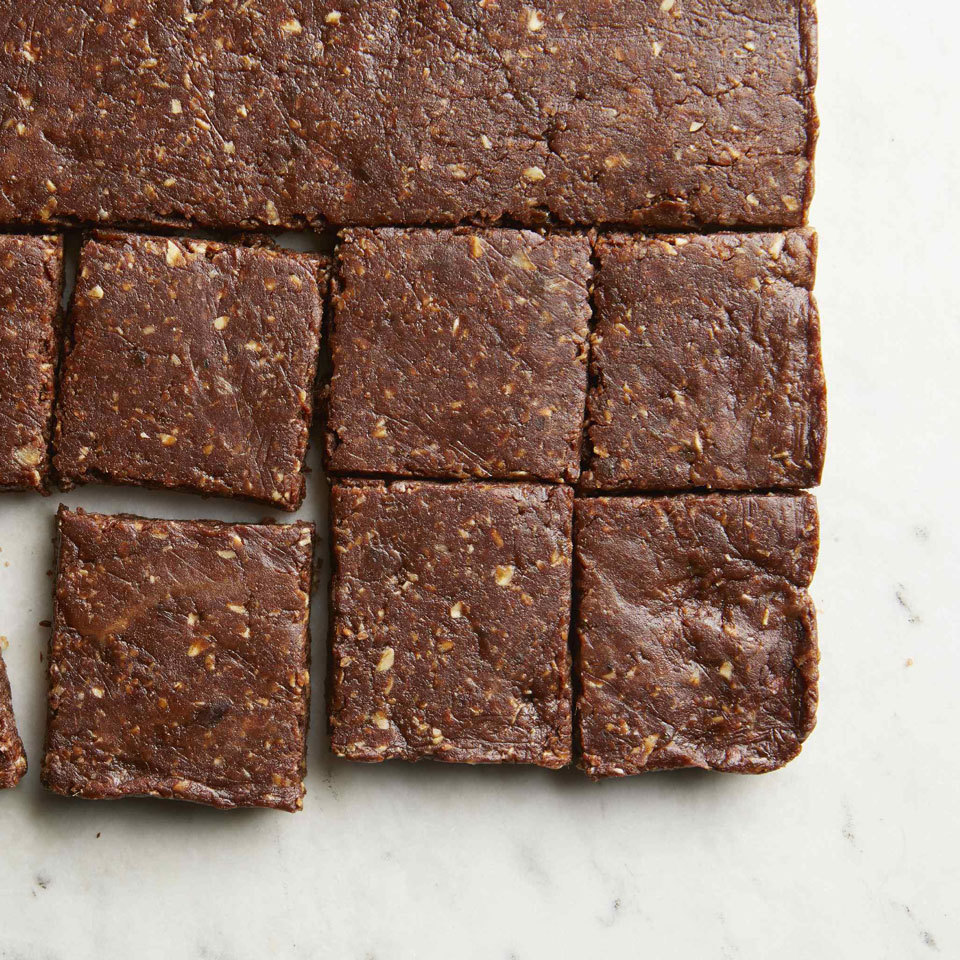 Sweetened with dates, these whole-grain bars provide energy and protein, thanks to nut butter. With just 5 ingredients you probably already have in your pantry, you can make these delicious, chewy brownies with no added sugar. Whip up a batch as a healthy dessert or for grab-and-go energy bars for a healthy snack.