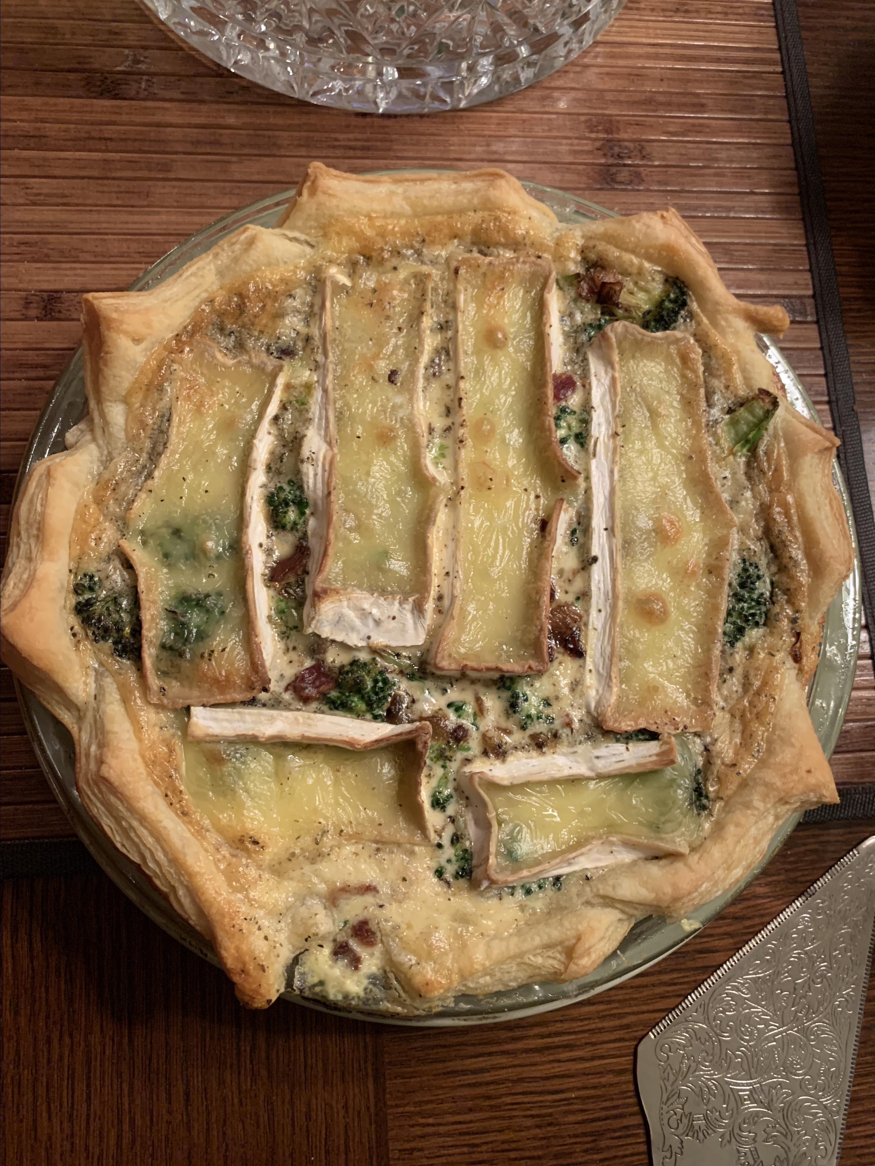 Simple Broccoli and Brie Cheese Quiche ahartfie
