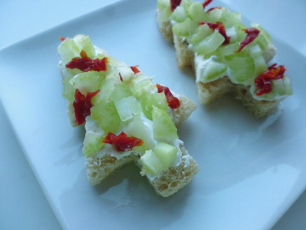 Mini Christmas Tree Sandwiches