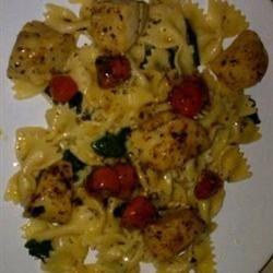 Basil Pan-Seared Scallops over Pasta gryley