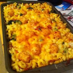 Broccoli Mac and Cheese with Bacon and Potato Nugget Topping