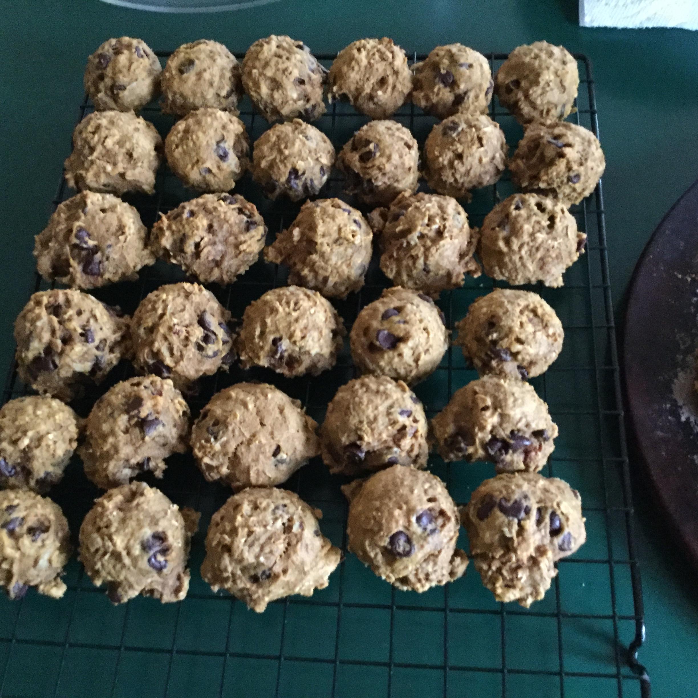 Fresh Pumpkin Oatmeal Cookies