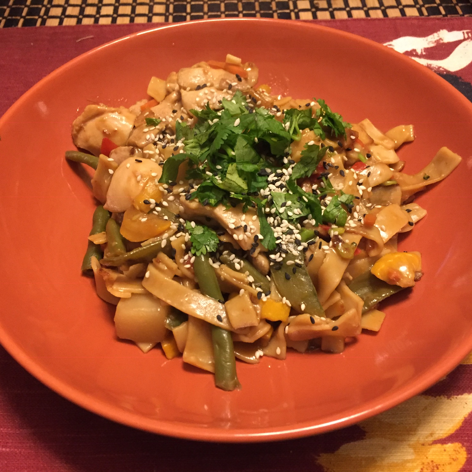 NO YOLKS(R) Asian Vegetables and Chicken in a Spicy Peanut Sauce Matt Leese