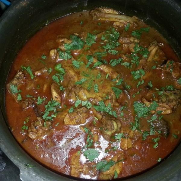 punjabi chicken in thick gravy photos