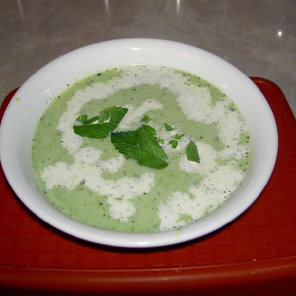 green pea and mint soup photos