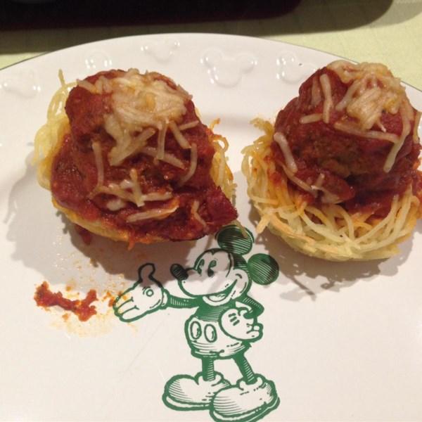 spaghetti and meatballs muffin bites photos