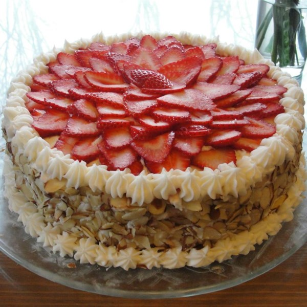 white almond wedding cake photos